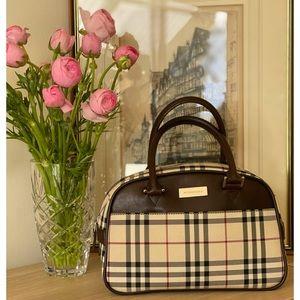 Burberry 🌟Host Pick🌟 Vintage Nova Check Leather & Canvas Handbag